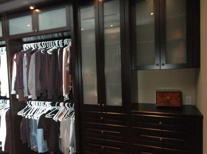 Walk-in custom closet organizers in classic system