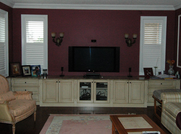 Custom built-in cabinet for family room